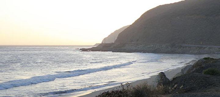 Southern California coastline and Santa Monica mountains. Photo courtesy Wikimedia Commons