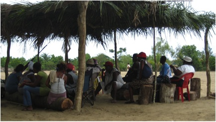 Council Meeting in Triunfo de la Cruz. Photo by Christopher Loperena